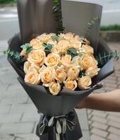 33枝香槟玫瑰...